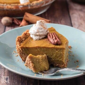 cookie crumb pumpkin pie