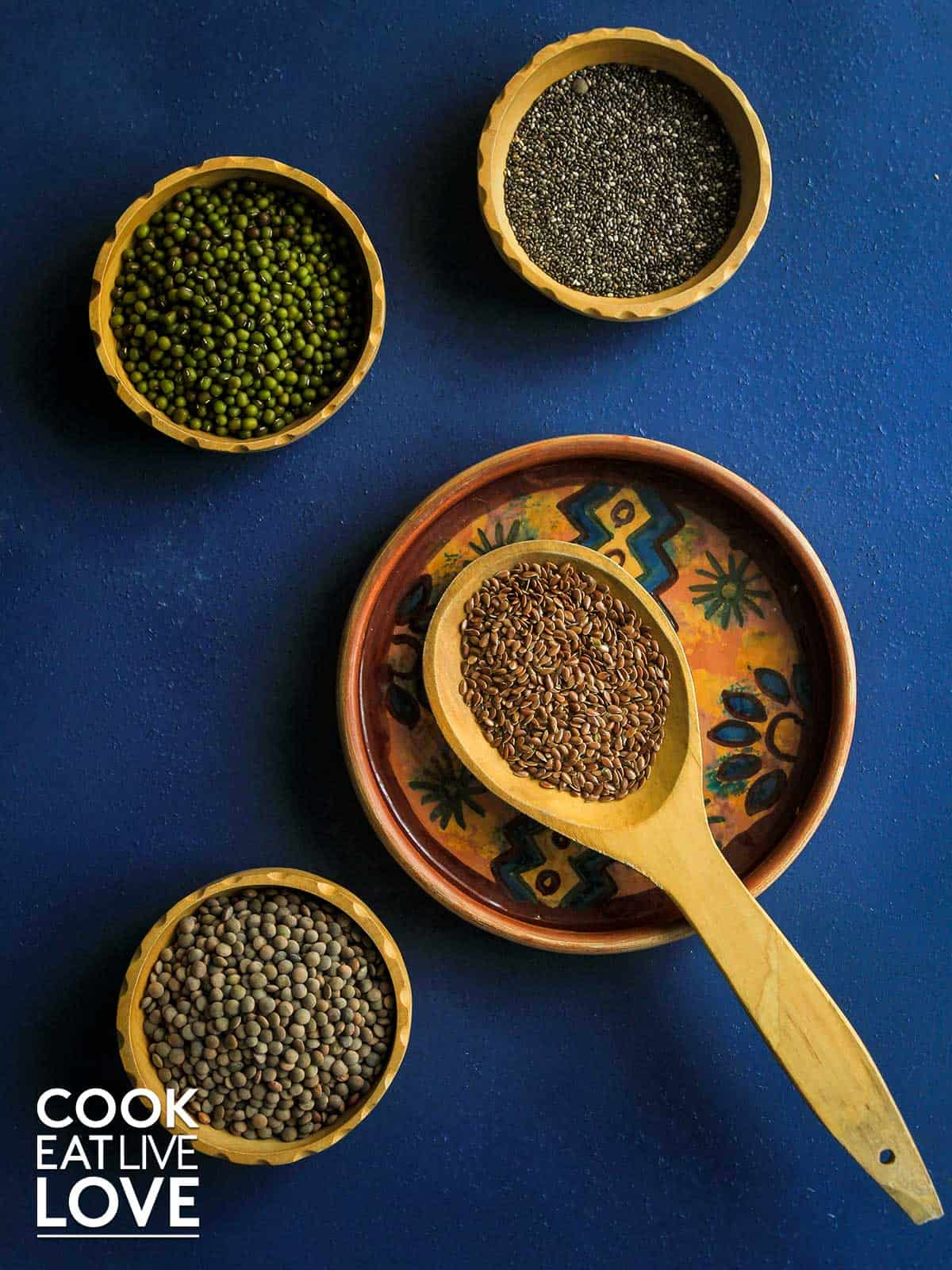 Dried lentils and mung beans to grow sprouts