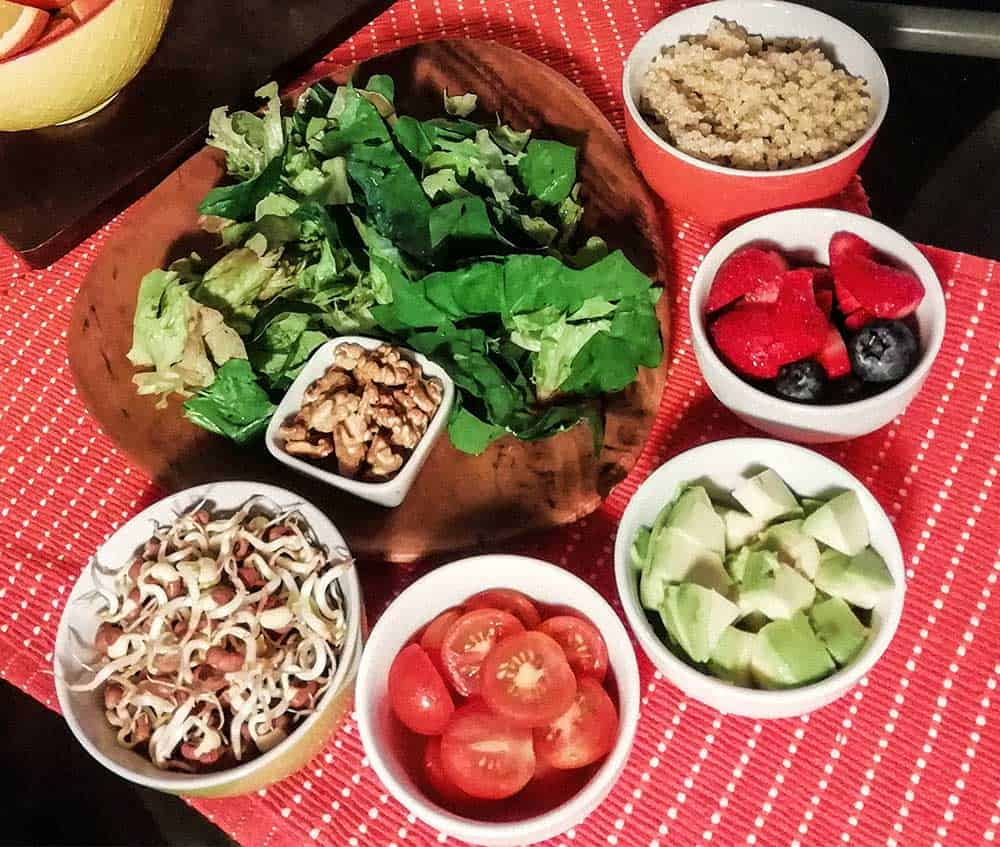 Picture of salad with heart healthy ingredients