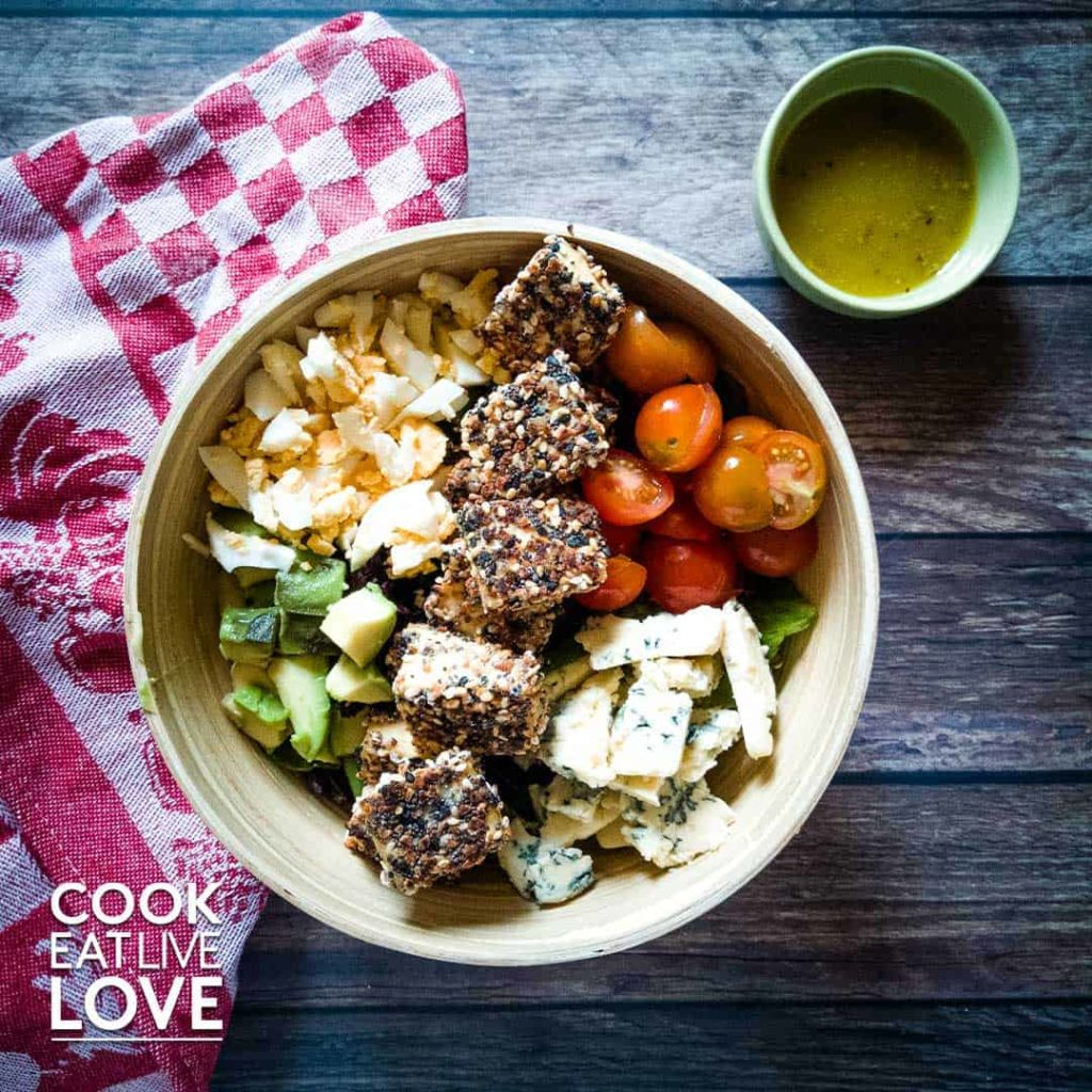 Everything bagel crusted tofu salad is ready to eat!