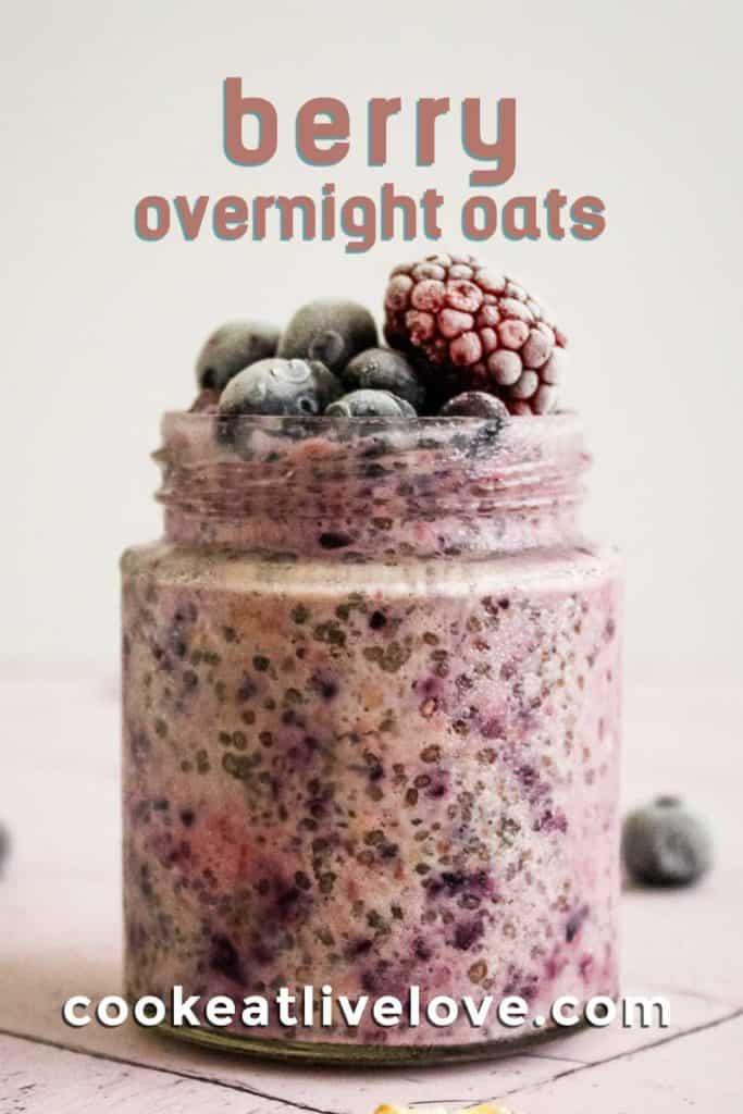 Pin for pinterest of berry overnight oats