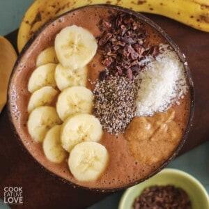 Chocolate smoothie bowl with bananas