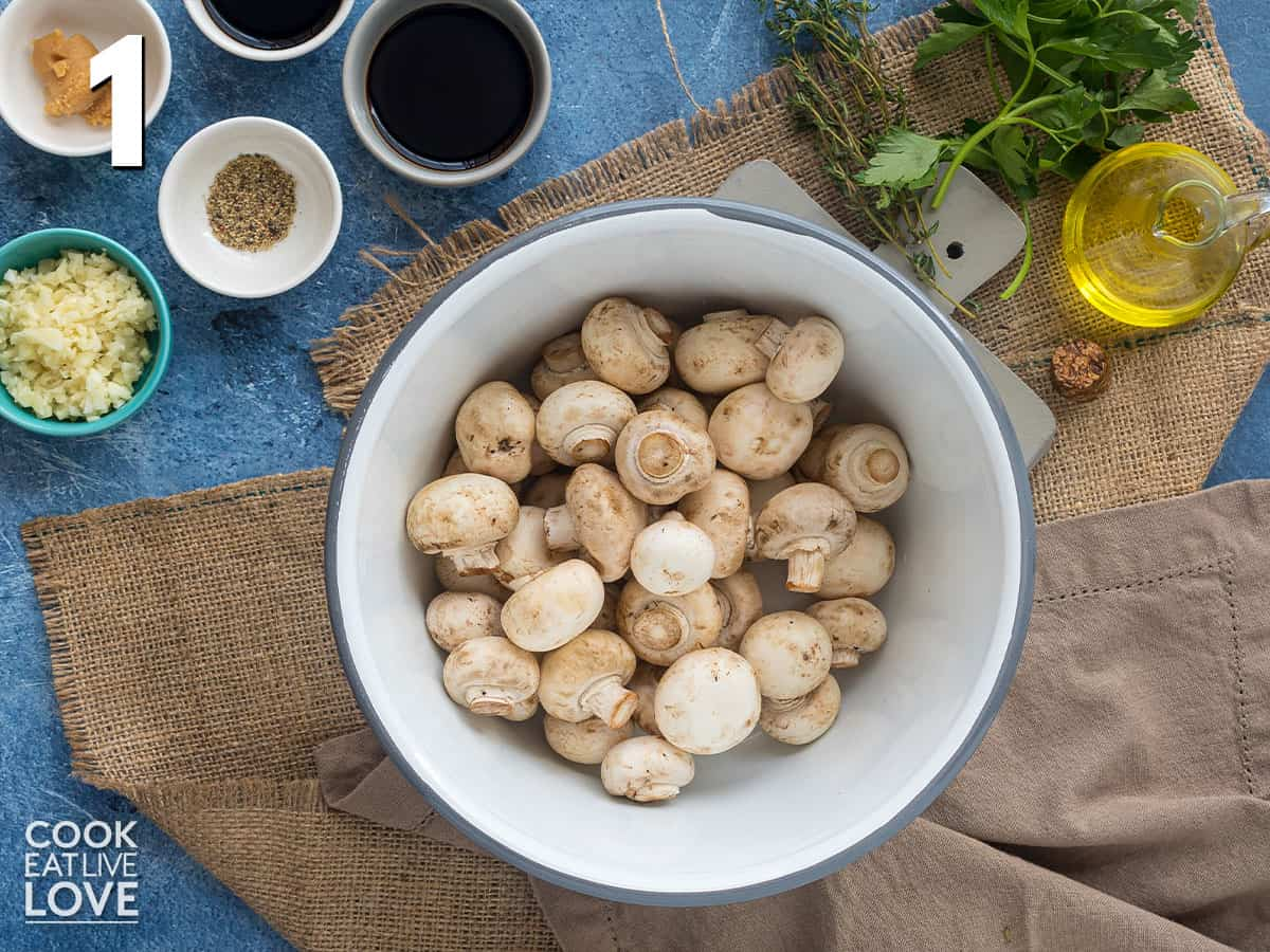 Washed mushrooms in a bowl