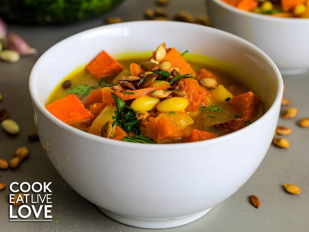 bowl of soup ready to eat